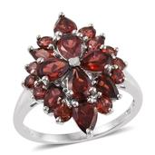 Mozambique Garnet Platinum Over Sterling Silver Ring (Size 6.0) TGW 5.68 cts.