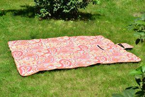 Paisley Print PEVA Water Resistent Fleece Picnic Blanket (67x51 in)