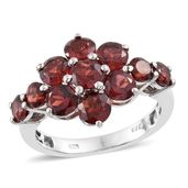 Mozambique Garnet Platinum Over Sterling Silver Floral Ring (Size 10.0) TGW 5.96 cts.