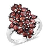 Mozambique Garnet Platinum Over Sterling Silver Floral Ring (Size 5.0) TGW 6.34 cts.