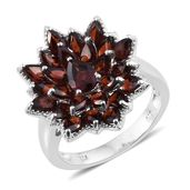 Mozambique Garnet Platinum Over Sterling Silver Flower Ring (Size 9.0) TGW 7.30 cts.
