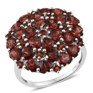 Mozambique Garnet Platinum Over Sterling Silver Cluster Ring (Size 8.0) TGW 8.30 cts.