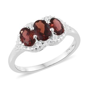Mozambique Garnet Sterling Silver Trilogy Ring (Size 8.0) TGW 2.02 cts.