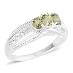Madagascar Olive Apatite Sterling Silver Ring (Size 5.0) TGW 0.60 cts.