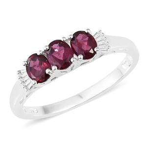 Orissa Rhodolite Garnet Sterling Silver Trilogy Ring (Size 7.0) TGW 1.25 cts.