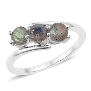 Malagasy Labradorite Sterling Silver Ring (Size 7.0) TGW 1.40 cts.