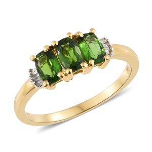 Russian Diopside, Diamond Accent Vermeil YG Over Sterling Silver Ring (Size 5.0) TDiaWt 0.05 cts, TGW 1.55 cts.