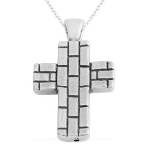 Sterling Silver Cross Pendant With Chain (2.82g)