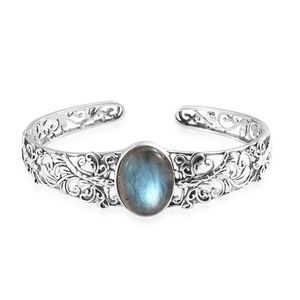 Artisan Crafted Malagasy Labradorite Sterling Silver Cuff (7.25 in) TGW 20.00 cts.